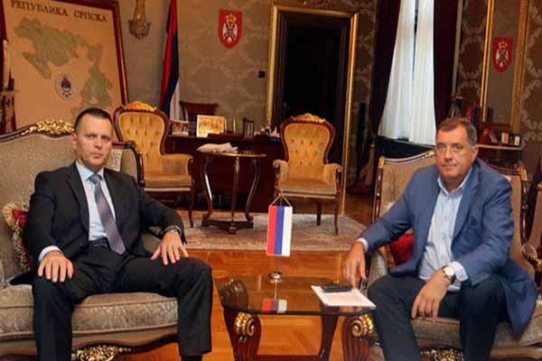 Dodik i lukač