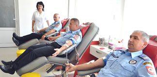 davanje krvi policajci