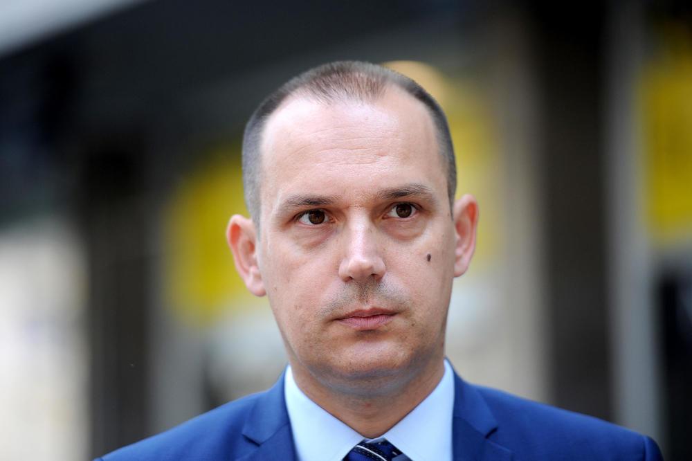 ZLATIBOR LONČAR: U Crnoj Gori nema ni jednog direktora Srbina, u mom resoru  ne treba da bude direktora Crnogoraca | Infosrpska